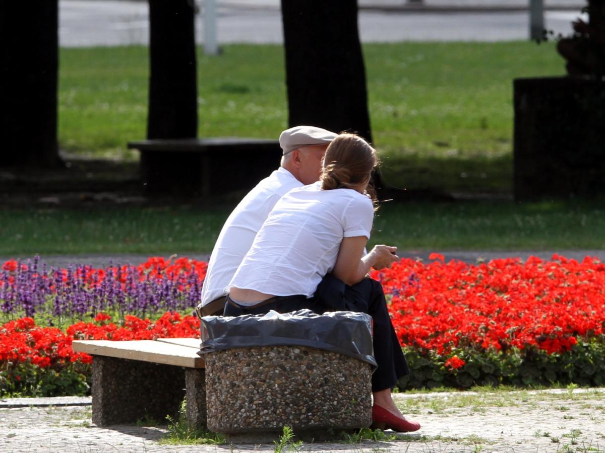 Rentenniveau sinkt weiter! - Laut Prognose muss die Renten ...